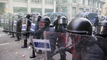 barcelona katalán tüntetés rendőrség