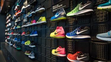 Beadta a derekát a Nike az Amazonnak