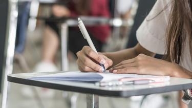 Bedőlt diákhitelesek tízezreinek tűnhet el a tartozása