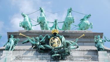 berlin - elszaladnak a lovak a szocikkal, megindul a költekezés, megreformálódik brüsszel