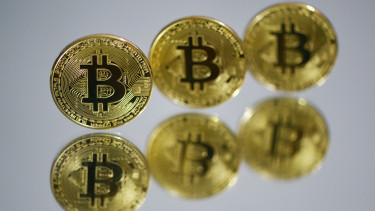 kereskedelmi kötet a bitcoin számára)