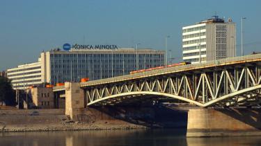 BME V2 épület, műszaki egyetem, petőfi híd