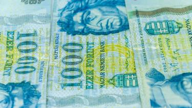 Brutálisan erős a dollár - Nagyon rossz hír ez a forintnak