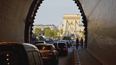 budapest autó dugó getty stock