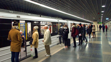 budapest harmas metro felujitas lanchid koronavirus