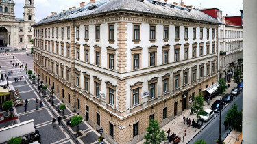 CEU condemns Hungary's new higher ed law, plans legal action