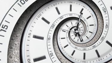 clock óra