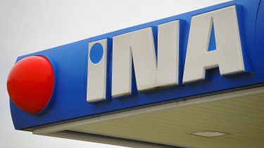 Croatia hires new consultant on buyback of Hungarian Mol's stake in INA