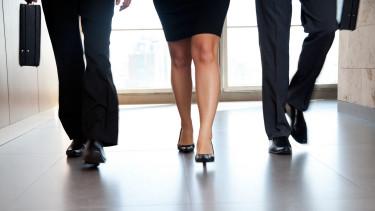 Csak 202 évet kell várniuk a nőknek arra, hogy ugyanannyit keressenek, mint a férfiak