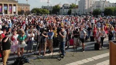 demonstráció hősök tere turizmus