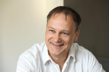 Dr. Puskás László