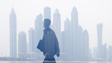 dubai adózás üzletember vállalkozó vállalkozás cég öltönyös