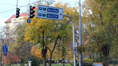 Dugó az M7-esen: lezárták az autópályát