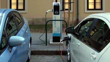 e-mobi toltopont elektromos auto