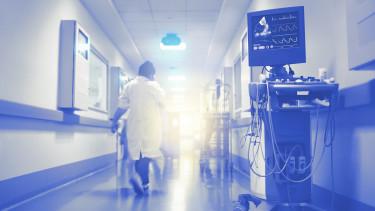 egészségügy kórház folyosó