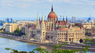 Egy évtizede nem volt ilyen alacsony a magyar államcsőd esélye