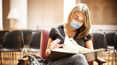 egyetemi diák hallgató koronavírus járvány
