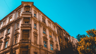 Egyre kisebb lakásokba kényszerülnek a budapestiek?
