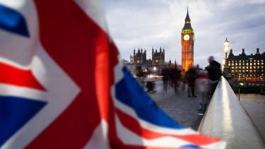 Egyre nagyobb bajban a brit gazdaság