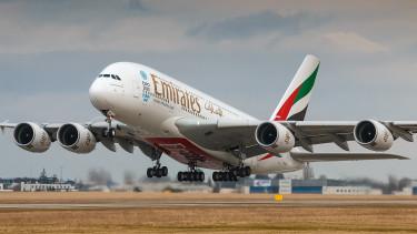 Elhagyhatták az utasok a tegnap karanténba helyezett repülőgépet