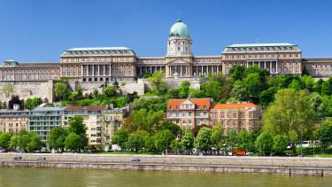 Elképesztő, mi zajlik az orrunk előtt: ezrével veszik a magyar lakásokat a külföldiek