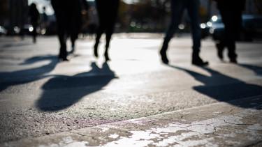 emberek budapest árnyék getty stock