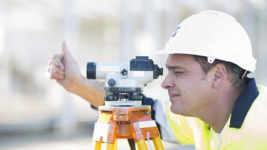 építőipar - távmérés - Getty