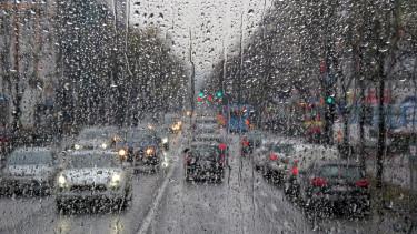 eső autó kocsi utca getty stock