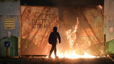 észak-írország tüntetések