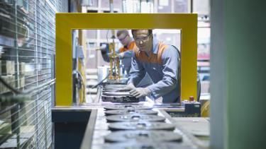 factory worker dolgozó ipar termelés munka