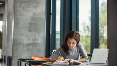 Félmilliós ingyenhitelből tanulhatnak nyelvet a diákok