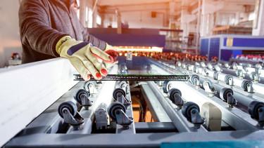 Felőrli a munkaerőhiány azokat a cégeket, ahol most nem költenek automatizációra
