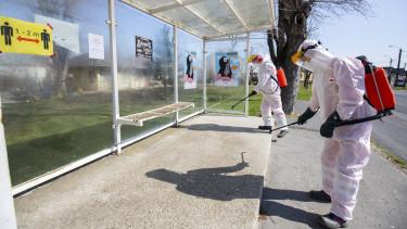 fertőtlenítés buszmegálló koronavírus magyarország mti