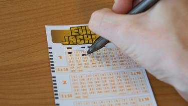 Fogadjunk, nem tudtad: így adózol, ha lottózol