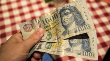 forint asztal pénz
