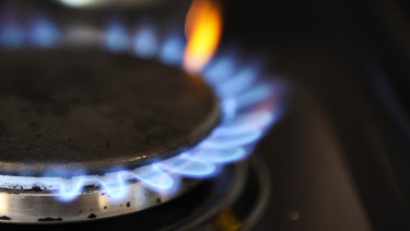 Gas burns on a hob of a domestic oven in Hornchurch, Photographer: Chris Ratcliffe/Bloomberg via Getty Images