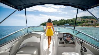 gazdag_yacht_shutterstock-20190809