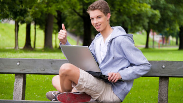 (GERMANY OUT) young man with laptop on a bench - 2010   (Photo by Wodicka/ullstein bild via Getty Images)