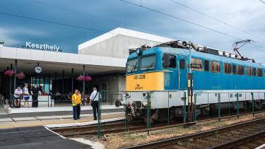 Gigabírságot fizetett be a vonatok bliccelőkirálya