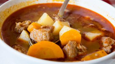 gulyás leves hús