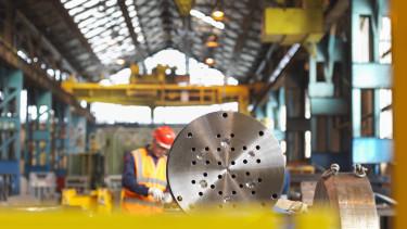 gyár dolgozó munkás hegeszt munka ipar