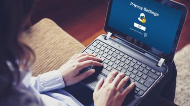 hacker jelszó biztonság privacy