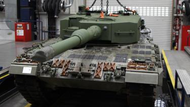 harckocsi tank leopard a4 magyar honvédség kmw