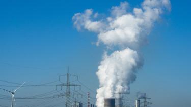 Három hónappal kitolták a megújuló energiás nagy EU-pályázat beadási határidejét