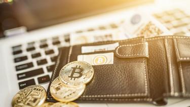 Hatalmas kriptopénzvagyont loptak el hackerek