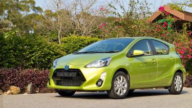 Hibás légzsákok miatt hív vissza autókat a Toyota