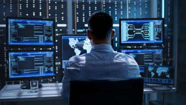 hírszerzés kiberbiztonság szerver rendszergazda kibervédelem hacker