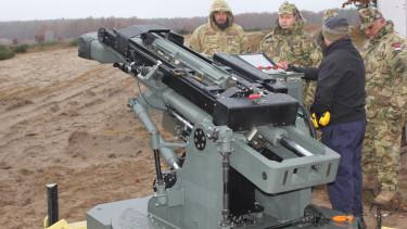 Hirtenberger 120 milis aknavető