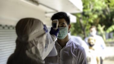 hőmérőzés koronavírus maszkviselés