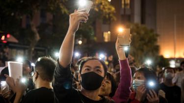 HONG KONG, CHINA - Anti-government protesters